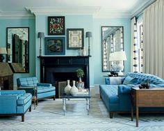 tolles modell vom wohnzimmer - kissen in türkis farbe und sofas