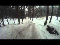 Video z kamery na prilbe jedného zo súperov. Štart + cca dve kolá. Zobrazuje podmienky za akých sa jazdilo v úvodnej časti preteku. Potom začalo snežiť.