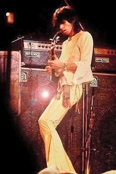 The official Rolling Stones app Music Pics, Music Images, Music Photo, Music Stuff, Rock And Roll Bands, Rock Bands, Rock N Roll, Rolling Stones Music, Los Rolling Stones