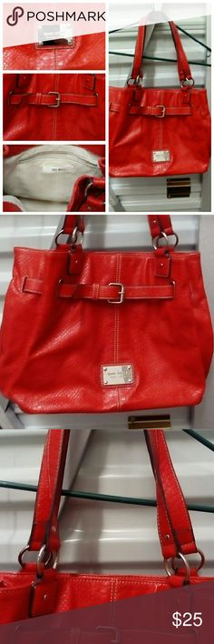 Nine West barely used bright red fashion bag Really nice Nine West barely used fashion bag Nine West Bags