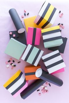 DIY Gift Wrapping Ideas DIY licorice wrapping paper - The House That Lars Built Creative Gift Wrapping, Gift Wrapping Paper, Creative Gifts, Wrapping Ideas, Wrapping Presents, Pretty Packaging, Gift Packaging, Liquorice Allsorts, Diy And Crafts