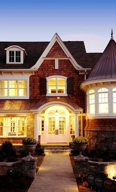 georgianadesign: Shingle style home in Michigan. VanBrouck & decorating before and after house design designs Home Design, Design Room, Design Ideas, Sweet Home, Shingle Style Homes, Coastal Homes, Coastal Cottage, Coastal Decor, Home Fashion