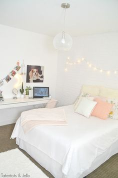 Teen Girl Bedrooms - Truly basic and incredible teen girl room information. Check these comfortable info ref 1450986267 now. Teen Girl Bedding, Teen Bedroom, Home Decor Bedroom, Bedroom Inspo, Brick Wall Bedroom, White Wall Bedroom, White Girls Rooms, Bunk Bed With Desk, White Brick Walls