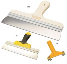 Curved Handle Spatula   It is manufactured from stainless steel and spring steel. The handle is made from special plywood. Products are reinforced by specific aluminium profile which is placed in the handle.  It is used for applications of plastering ceilings and walls.