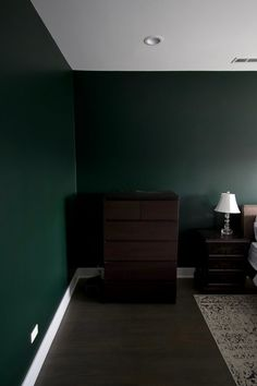 Guest room painted in Essex Green. Choosing the perfect dark green paint color. I love a dark moody green for a bedroom space because it makes it feel. Guest Room Paint, Green Bedroom Paint, Green Painted Walls, Paint Colors For Living Room, Room Colors, Forest Green Bedrooms, Dark Green Rooms, Living Room Green, Essex Green
