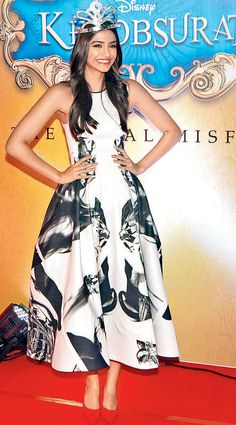Sonam Kapoor at the Khoobsurat trailer launch. #Style #Bollywood #Fashion #Beauty