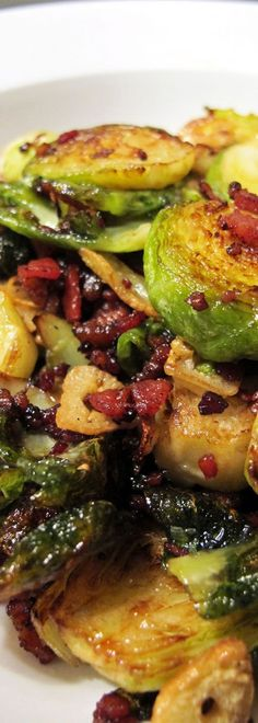 Apart from being ridiculously cheap and oh-so-pretty, brussels sprouts are very healthy too. If you like to eat them, you're one lucky person.