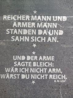 Bertold Brecht auf Hauswänden