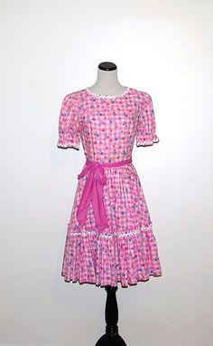 Vintage Dress Pink Sweetheart Peasant by CheekyVintageCloset, $26.00
