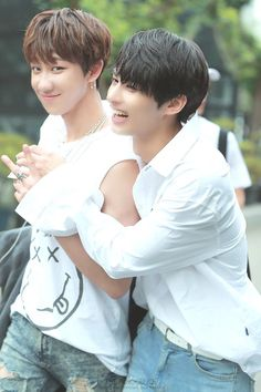 Image shared by Find images and videos about kpop, Seventeen and jun on We Heart It - the app to get lost in what you love. Woozi, Wonwoo, Jeonghan, Seventeen The8, Seventeen Debut, Seventeen Memes, Le Talent, Choi Hansol, Wen Junhui