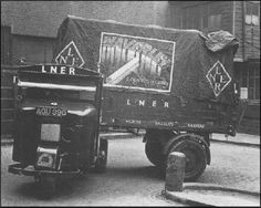 An LNER Scammell mechanical horse negotiates a tight bend at Farringdon Street Goods Depot, London, in 1934. Ian Allan Library