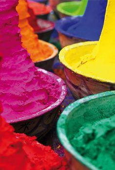 pigment holi Couple Photography, Art Photography, Holi Powder, Pigment Powder, Happy Holi, World Of Color, Light Colors, Color Inspiration, Pastel