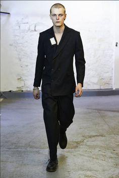 Male Fashion Trends: ICOSAE Fall/Winter 2016/17 - Paris Fashion Week