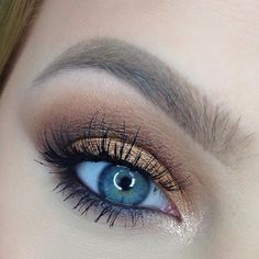 """@anastasiabeverlyhills """"orange Soda"""" as transition, """"fawn"""" and """"fudge"""" to deepen the crease and on the lower lash line, """"wine"""" and """"peach sorbet"""" mixed on lid"""
