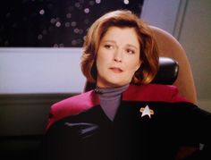 The best captain starfleet has ever had! Captain Janeway, Kate Mulgrew, Star Trek Voyager, Actors, Shit Happens, Geek, Entertainment, Adventure, Inspired