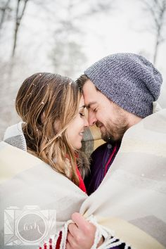 Snowy engagement session at Victor Ashe Park in Knoxville, TN by Amanda May Photos