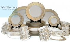 ROYAL WORCESTER HYDE PARK DINNER SERVICE 59 PCS: 1966 – 1986, Each porcelain piece with raised gold decoration depicting urns, medallions and scrolling foliage