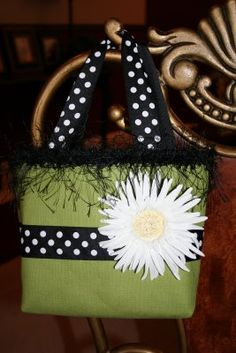 I think I'll have to make all these gorgeous bible bags for Easter or Valentine gifts!