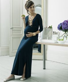 Saturdaydress by Madderson London. Stunning maternity dress. Maternity fashion. Maternity dresses. Ideas for what to wear when you're pregnant.