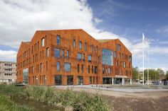 Amsterdam University College in Amsterdam Science Park by Mecanoo