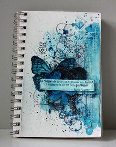 Une petite page d'Art Journal à vous montrer aujourd'hui avec les Nuances .     Today, I want to show you a monochromatic art journal ...