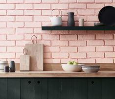 These Brick Backsplash Ideas Make the Case for a Rustic Kitchen Makeover Kitchen Tiles Design, Tile Design, Home Decor Kitchen, Rustic Kitchen, Peinture Little Greene, Pink Kitchen Appliances, Blueberry Home, Murs Roses, Pink Paint Colors