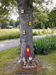 This is my version of an elf or gnome tree ! Notice the door is shaped for his hat ! Garden Crafts, Garden Projects, Garden Art, Clay Flower Pots, Woodland Garden, Yarn Bombing, Enchanted Garden, Picture On Wood, Fairy Houses