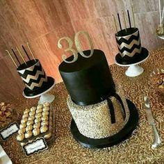 Mesa de boda dorada