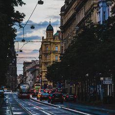 "Gefällt 204 Mal, 1 Kommentare - Daniel Laqua (@daniel_laqua) auf Instagram: ""Sunset in Praha - Throwback 07/2016 . . . . #czech #czechrepublic #photooftheday #travel #followme…"""