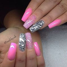 Expand style to your nails with nail art designs. Donned by fashion-forward celebrities, these nail designs will add immediate elegance to your wardrobe. Fabulous Nails, Gorgeous Nails, Pretty Nails, Hot Pink Nails, Fancy Nails, Bright Pink Nails With Glitter, Bling Nails, Stiletto Nails, Coffin Nails