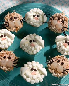 Lion and lamb cupcakes!