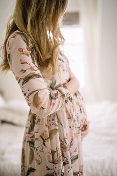 Florals for Spring // The cutest floral dress that is NON maternity but also fits a bump ;)