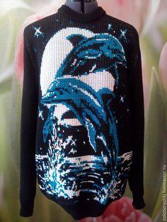 """Купить Мужской джемпер ,, Южная ночь """" - комбинированный, рисунок, мужской джемпер, дельфины, море"""