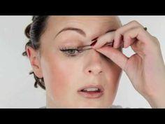 Apply false eyelashes.