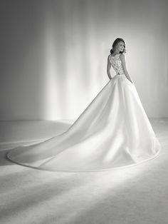 Wedding dress mikado with pockets - Pronovias 2018 Collection