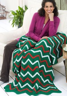 Zigzag Christmas Throw and Pillow   FaveCrafts.com