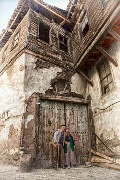 Foto - My beautiful country - Fotografie Bulgaria, People Around The World, Around The Worlds, Empire Ottoman, Photo Couple, Foto Art, Istanbul Turkey, Abandoned Places, Old Houses