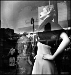 Elliott Erwitt - New York City. 1949.