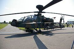 Un AH-64D Apache Longbow de la Fuerza Terrestre de Autodefensa de Japón.