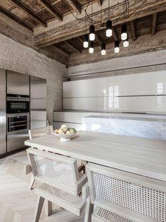 Дом в центре Мантуи, восстановленный и обновленный архитекторами из Archiplan Studio | Admagazine | AD Magazine