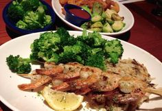 The RD team visits Red Lobster to scope out the healthy choice options. Yes fish can be healthy and low calorie.  You can also end up eating 2500 calories, depending on what you order.