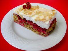 Johannisbeer-Nuss-Kuchen mit Baiser, ein leckeres Rezept aus der Kategorie…