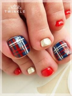 39 Awesome Plaid Nail Art Designs for Your Preppy Days . Fancy Nails, Love Nails, How To Do Nails, Pretty Nails, My Nails, Weird Nails, Pretty Toes, Pedicure Nail Art, Pedicure Designs