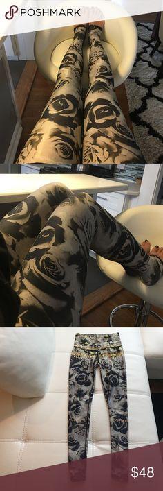 Teeki leggings Gentle used. Great condition, cool designs. My price is firm teeki Pants Leggings