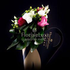 Flori de lux exotice in bouquet holder Bouquet Holder, Cots, Green, Elegant