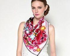 Elegantná dámska hodvábna šatka s motívom farebných kvetov (2)