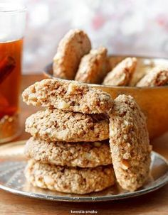 Zdrowe ciasteczka owsiane z jabłkami i cynamonem Baby Food Recipes, Sweet Recipes, Cookie Recipes, Dessert Recipes, Desserts, Healthy Biscuits, Good Food, Yummy Food, Food Allergies