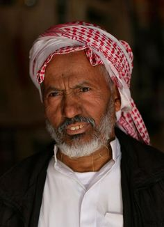 #RodAkelPhoto 10. Al Janadria الجنادرية 2011 Canon 1Ds Mark II Canon 85mm f/2 1/1600 #Portrait #FacesBeyondLife