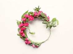 Dieses Heimwerken Blume Krone Kit hat alles Sie erstellen ein schönes müssen Boho Blumen Kranz---fügen Sie einfach Ihre eigenen Blumen! Das Kit