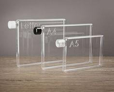 Memobottle est un design ingénieux de bouteille d'eau réutilisable, créé comme une réponse écologique à la réduction des bouteilles en plastique à usage unique.